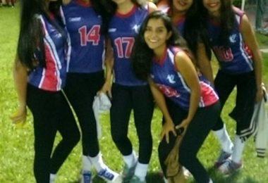 Meninas de Almenara, atletas do HANDBALL. De Boa Véi, eu tenho que aprender a jogar este esporte