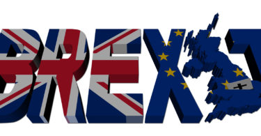 Brexit text with British and Eu flags illustration - BREXIT termo usado para descrever a SAÏDA = EXIT da BR = British = Bretanha (Reino Unido)British + exit =  Brexit