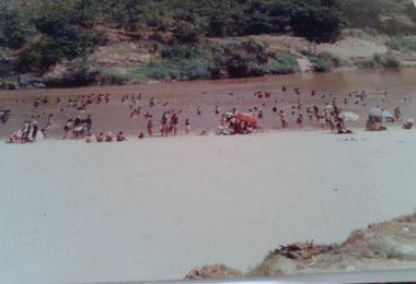 Praia Rio Araçuaí 1979